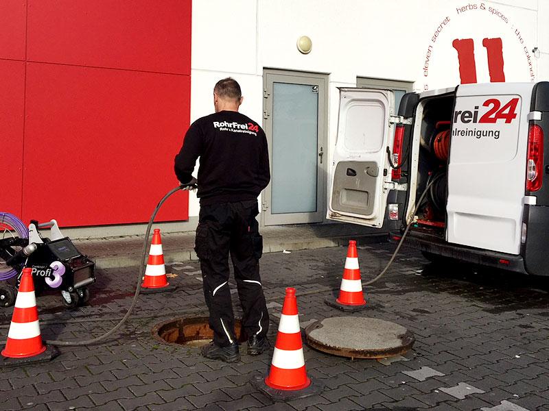 Rohrreinigung & Kanalreinigung rohrfrei24